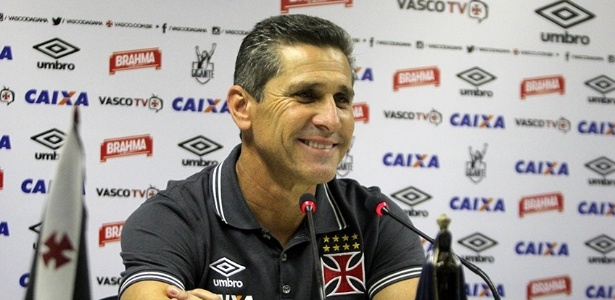 O treinador se mostrou muito satisfeito com o desempenho do Vasco na partida