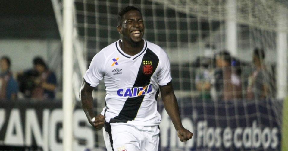 Thalles comemora gol do Vasco contra o Luverdense