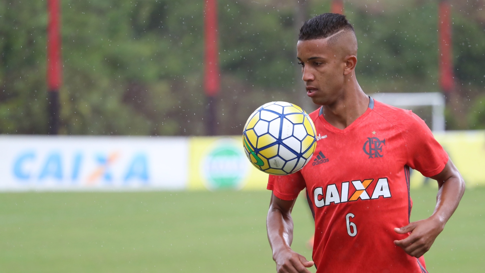Lateral esquerdo do Flamengo, Jorge é alvo constante do mercado europeu