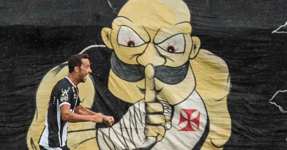 Nenê vibra após marcar gol olímpico para o Vasco contra o Bangu