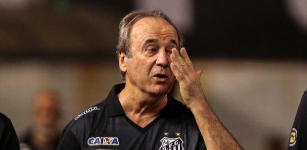 Levir Culpi cobrou o elenco depois da derrota por 1 a 0 para o Santos