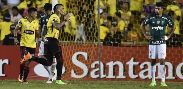 Palmeiras sofreu um gol nos acréscimos e saiu derrotado por 1 a 0 no Equador
