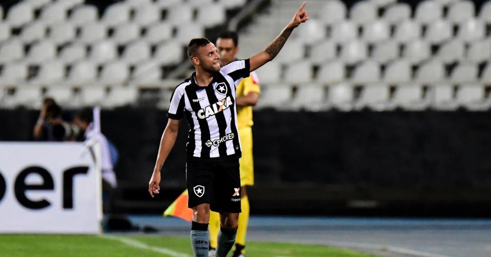 Guilherme comemora gol do Botafogo contra o Santos