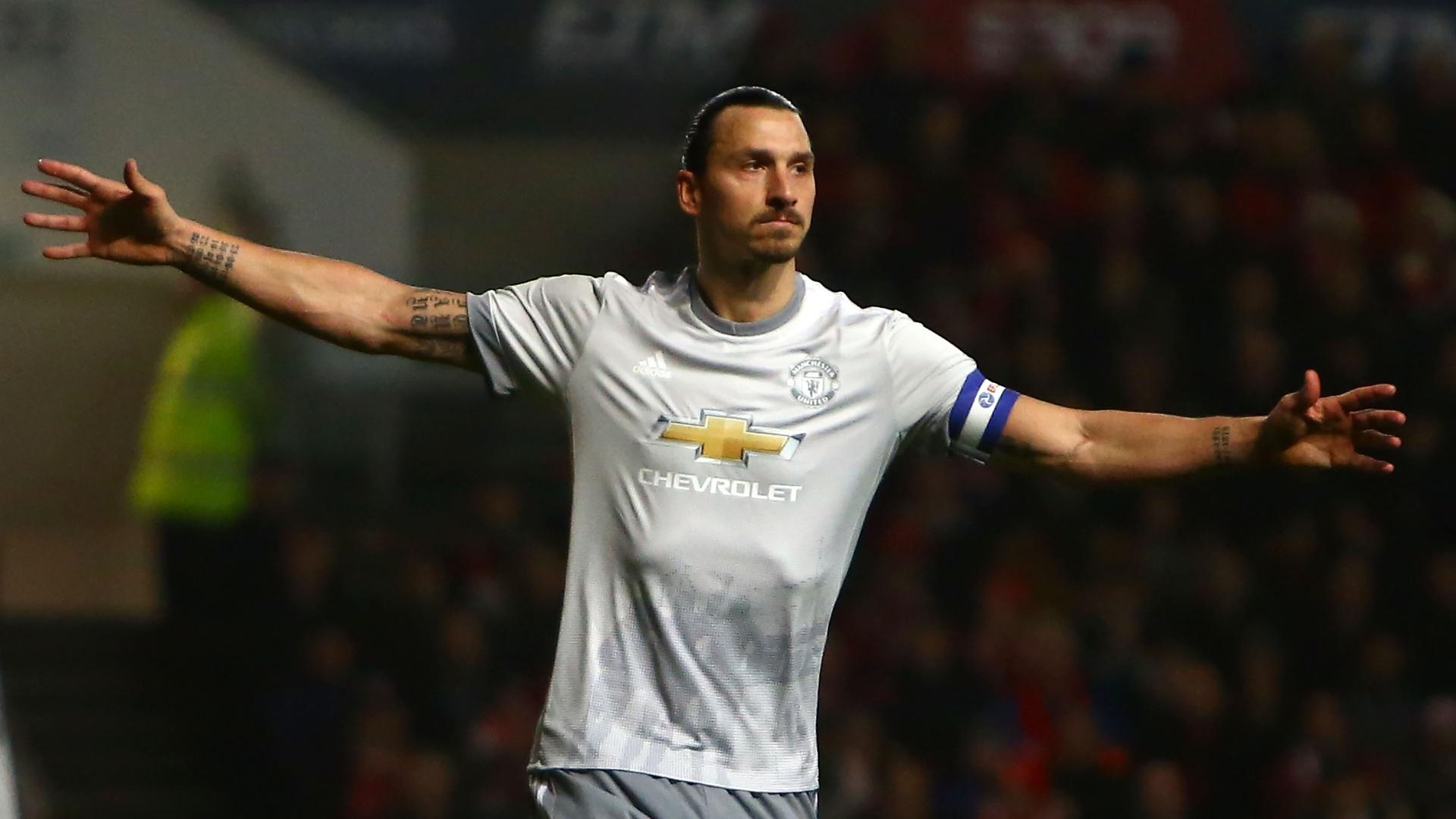 Ibrahimovic comemora gol de empate do Manchester United contra o Bristol City