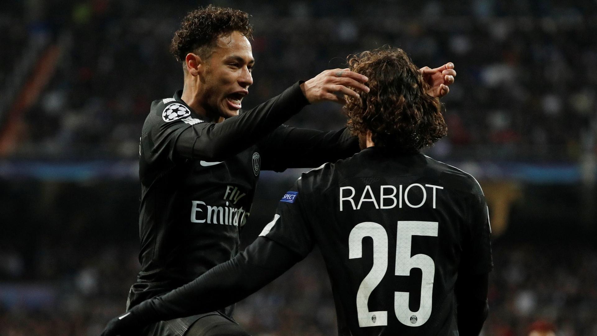 Neymar comemora com Rabiot o gol que inaugurou o placar da partida