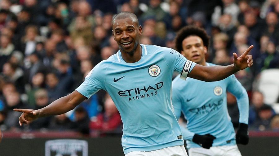 Fernandinho faz o quarto gol do Manchester City contra o West Ham - JOHN SIBLEY/REUTERS