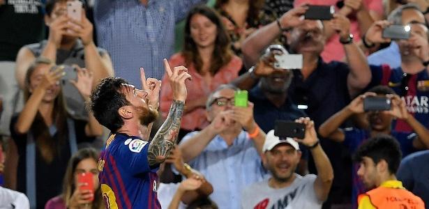 Messi comemora primeiro gol do Barça no Camp Nou