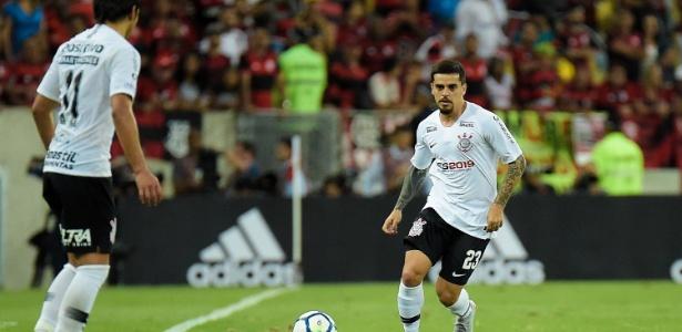 Sem substituto confiável, Corinthians sofre quando Fagner não joga - Thiago Ribeiro/AGIF