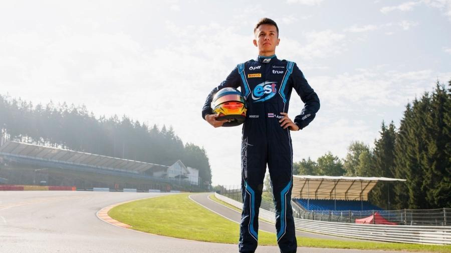 Alexander Albon é inglês de nascimento, mas corre com nacionalidade tailandesa - FIA Fórmula 2/Divulgação