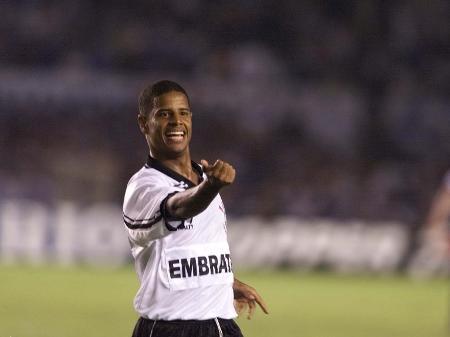 Quem Sao Os Maiores Artilheiros Do Corinthians No Brasileirao Unificado 16 07 2020 Uol Esporte