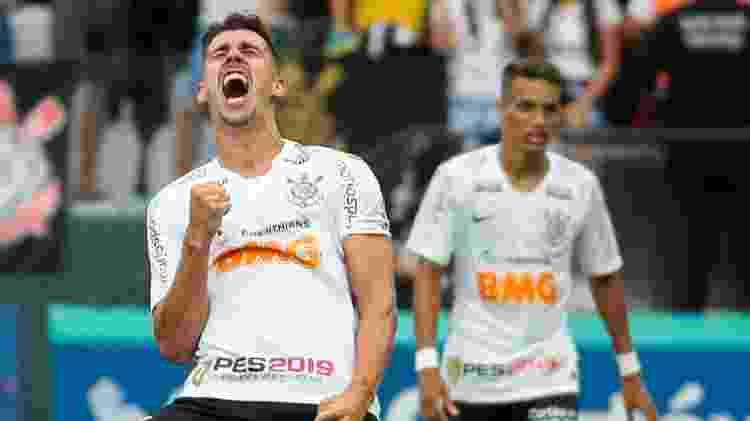 O agora zagueiro marcou um dos gols do Corinthians no jogo do título Estadual de 2019 - Marcello Zambrana/AGIF