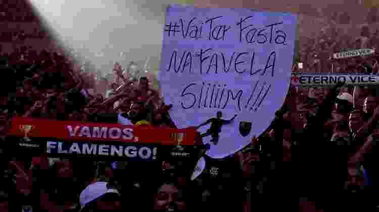 Torcida do Flamengo faz festa antes de jogo contra o Vasco na decisão do Campeonato Carioca 2019 - Thiago Ribeiro/AGIF - Thiago Ribeiro/AGIF