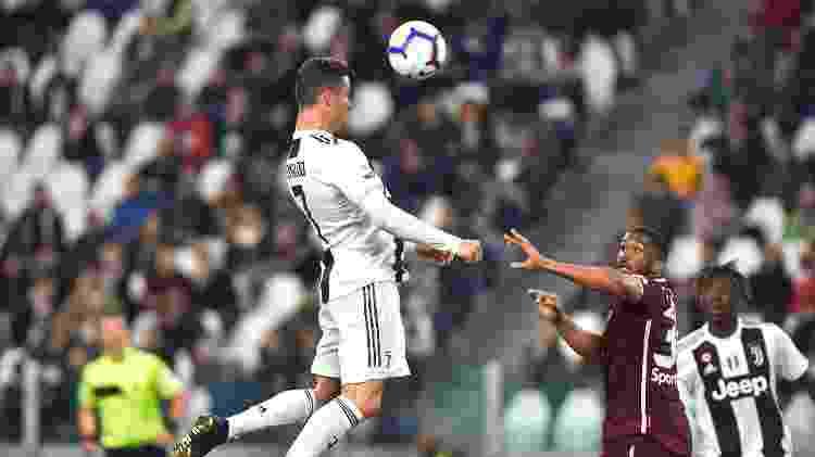 Cristiano Ronaldo marca de cabeça - Massimo Pinca/Reuters - Massimo Pinca/Reuters