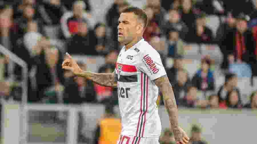 A chegada de Daniel Alves ajudou a alavancar a imagem do São Paulo nos últimos meses - Gabriel Machado/AGIF