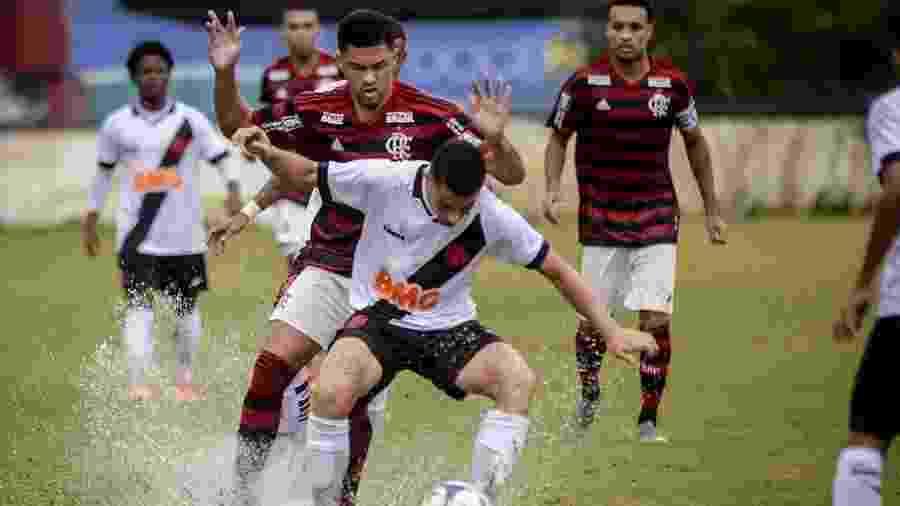 Jogadores de Flamengo e Vasco disputaram títulos entre si no sub-20 e se enfrentam hoje no profissional - Marcelo Cortes / Flamengo