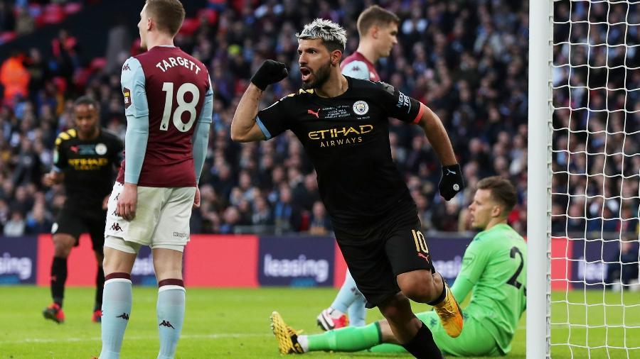1.mar.2020 - Agüero comemora gol do Manchester City marcado contra o Aston Villa na final da Copa da Liga Inglesa - Lee Smith/Reuters