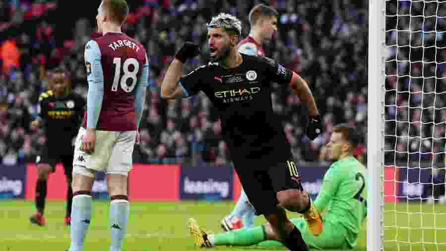 Aguero comemora gol do Manchester City contra o Aston Villa - Lee Smith/Reuters
