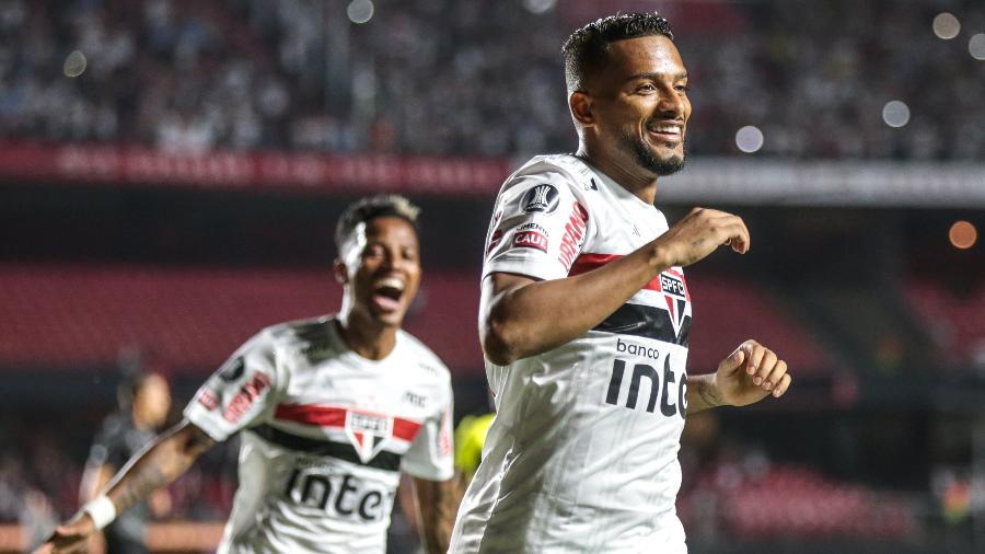 Reinaldo celebra gol marcado pelo São Paulo sobre a LDU na Copa Libertadores 2020 - Marcello Zambrana/AGIF