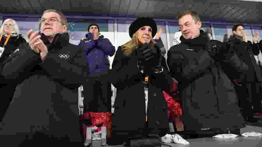 Andrew Parsons com sua esposa, Marcela Parsons, e o presidente do COI Thomas Bach (à esquerda) - Chung Sung-Jun/Getty Images
