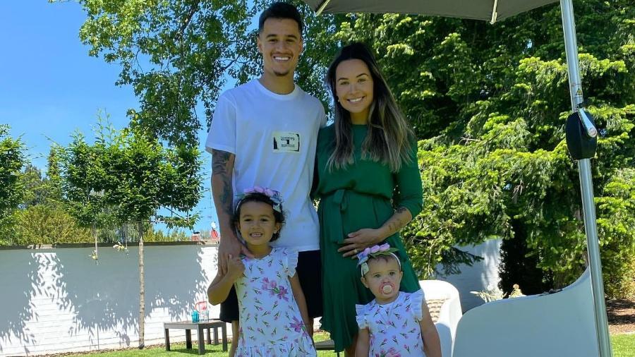 Coutinho e a mulher, Ainê, anunciam gravidez do terceiro filho - Reprodução/Instagram