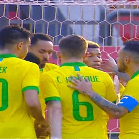 Jogadores da seleção olímpica comemoram gol contra a Coreia do Sul - Reprodução/SporTV