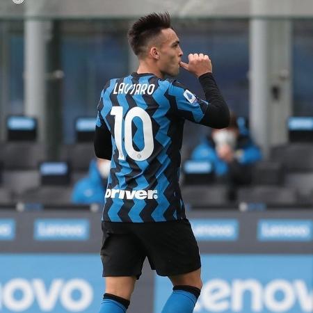 Lautaro Martínez comemora gol para a Inter de Milão em jogo contra o Crotone pelo Campeonato Italiano - FC Inter/Divulgação