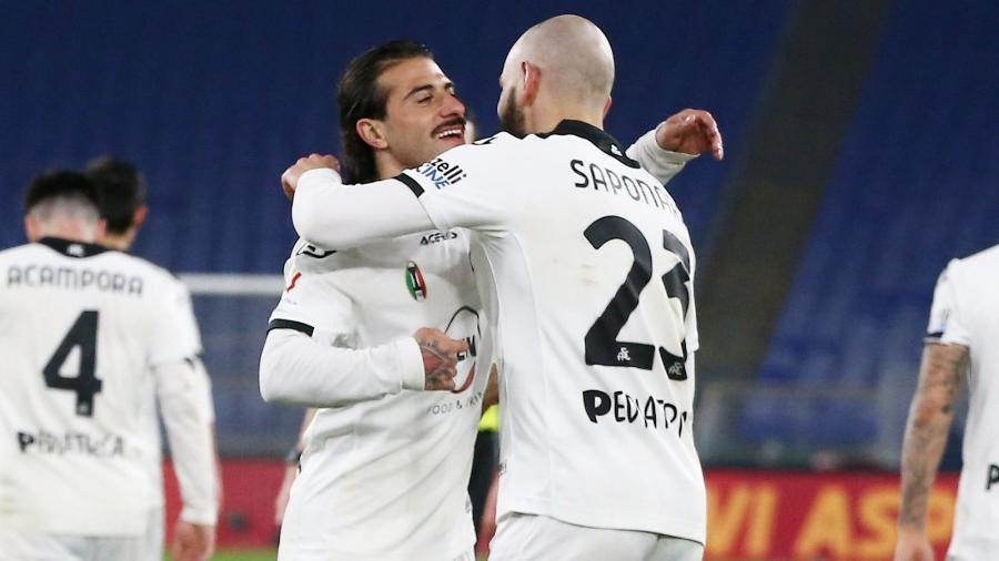 Jogadores do Spezia comemoram resultado sobre a Roma - Reprodução