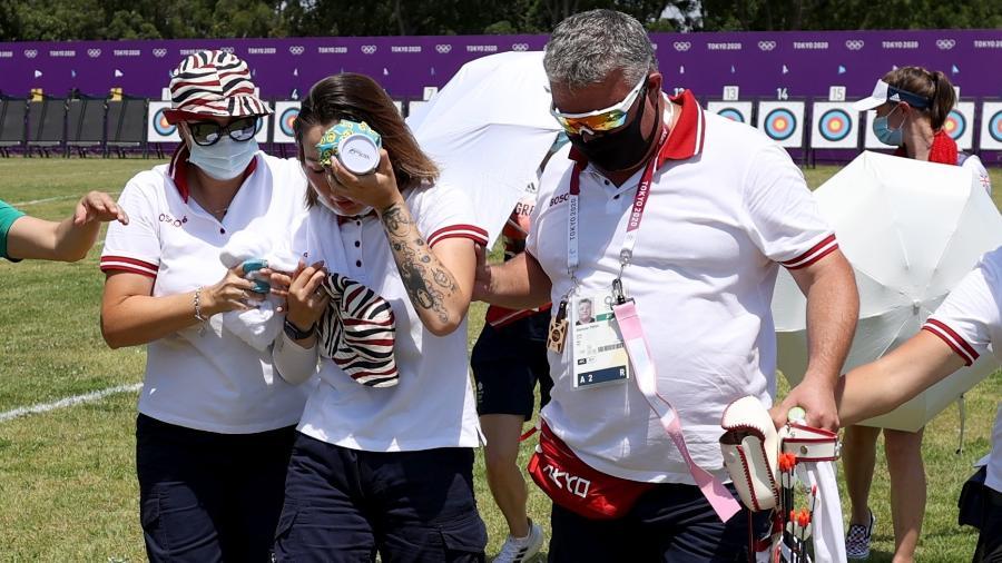 A atleta Svetlana Gomboeva passou mal por causa do calor durante a disputa de tiro com arco - Justin Setterfield/Getty Images