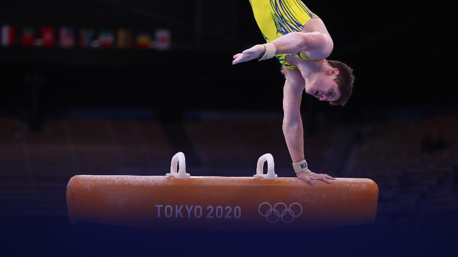 Diogo Soares em ação nas eliminatórias da ginástica artística masculina em Tóquio - Lindsey Wasson/Reuters