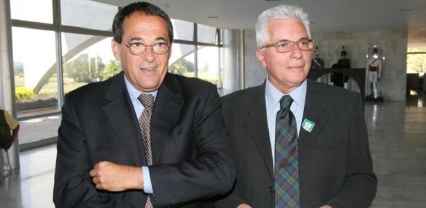 Hoje, Bebeto de Freitas (esquerda) trabalha com Alexandre Kalil na prefeitura de BH