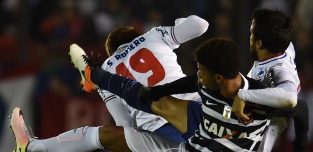 Nacional e Corinthians ficaram no empate por 0 a 0 no jogo de ida, no Uruguai