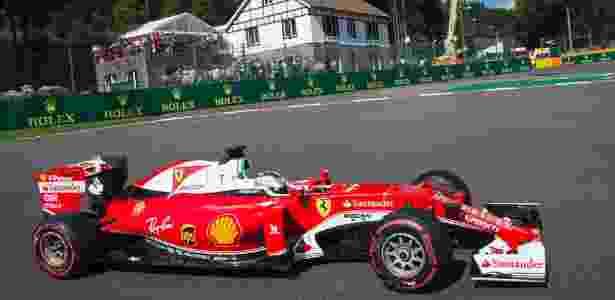 Sebastian Vettel, da Ferrari, defende vantagem de 14 pontos no campeonato - AFP PHOTO / JOE KLAMAR