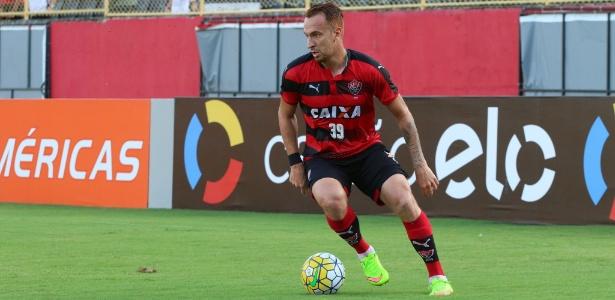 Zé Love disputou 13 jogos e fez quatro gols com a camisa do Vitória