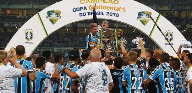 Grêmio conquistou a edição de 2016 da Copa do Brasil. Contrato atual é três vezes menor - Lucas Uebel/Grêmio