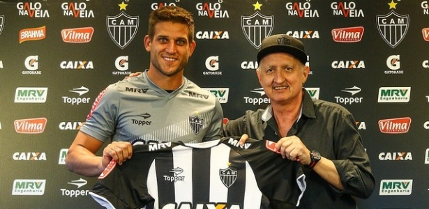 De torcedor a jogador. 12 anos após promessa, Rafael Moura volta a ser jogador do Galo