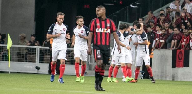 San Lorenzo jogou melhor que o Atlético-PR e fez 3 a 0 na Arena da Baixada