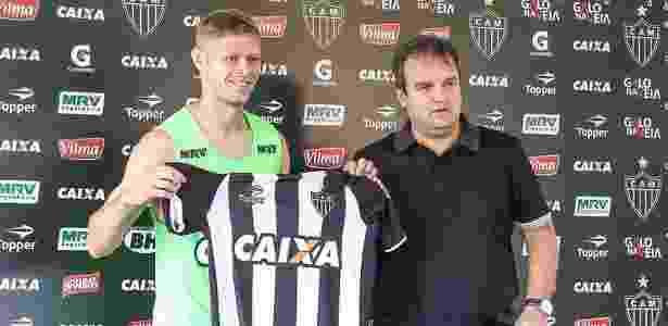Domenico Bhering (direita) vai cuidar do futebol do Atlético até que seja contratado um diretor - Bruno Cantini/Clube Atlético Mineiro