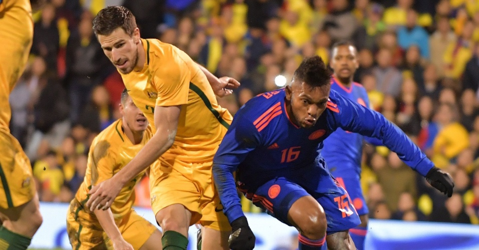 Miguel Borja em ação durante amistoso da Colômbia contra a Austrália em março de 2018