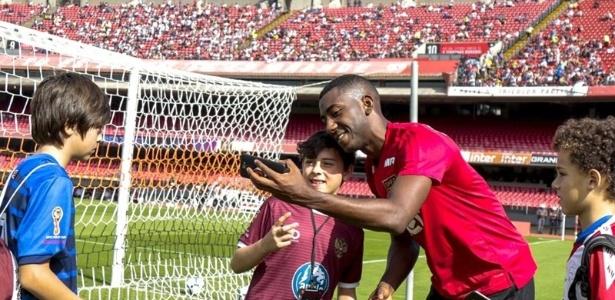 Carneiro deve ser relacionado por Aguirre para a partida com o Flamengo