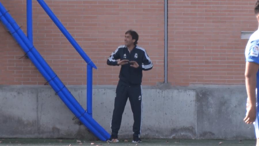 Raúl González como técnico do Juvenil B do Real Madrid - Reprodução/MarcaTV