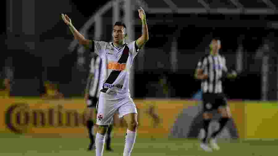 Volante Raul está confirmado entre os titulares do Vasco contra o Avaí - Thiago Ribeiro/AGIF