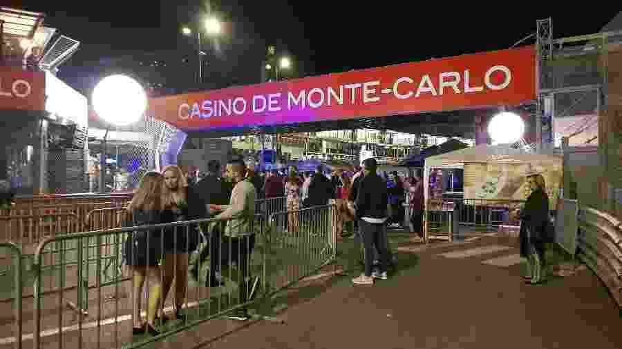 Curva Rascasse vira balada ao ar livre nas noites em Mônaco - Julianne Cerasoli