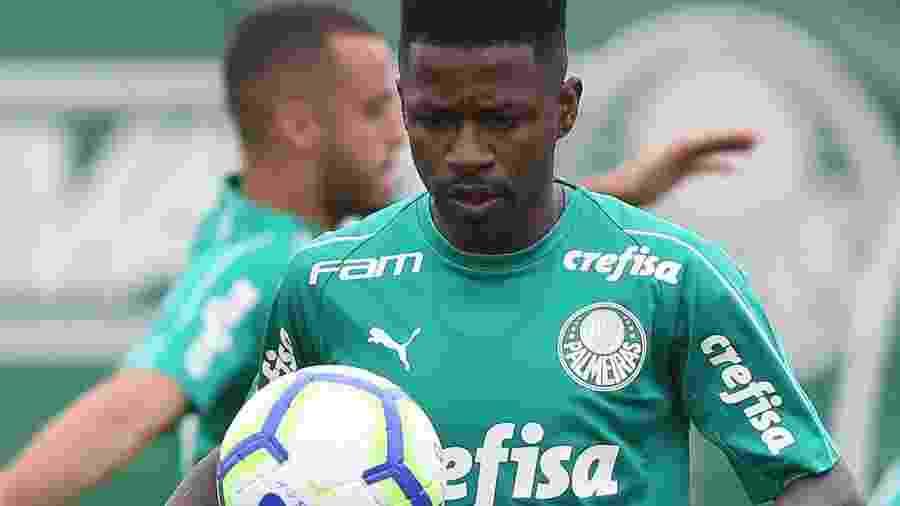 Ramires está à disposição de Felipão para fazer sua estreia no Palmeiras - Cesar Greco/Ag. Palmeiras/Digulgação