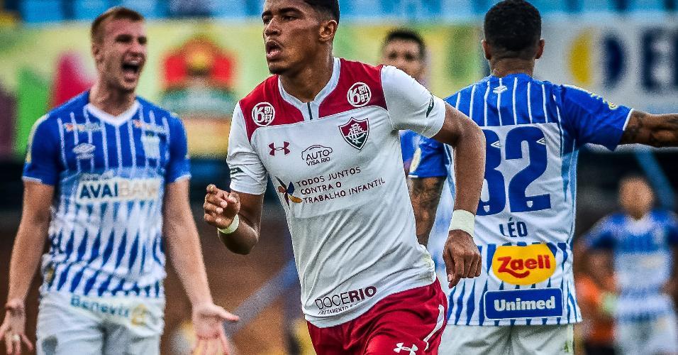 Marcos Paulo, do Fluminense, em partida contra o Avai