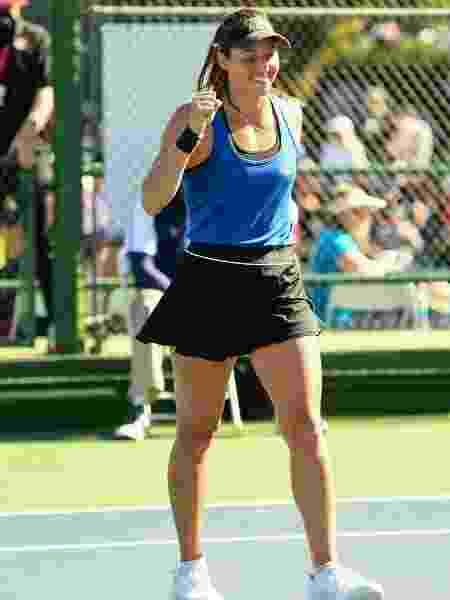 Luisa Stefani (esq.) comemora vitória no WTA 125 de Newport Beach em 2020 - Divulgação/Oracle Challenger Series