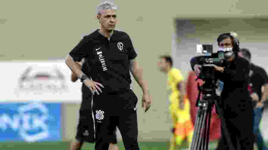 Tiago Nunes, técnico do Corinthians, durante partida contra o Oeste - Rodrigo Coca
