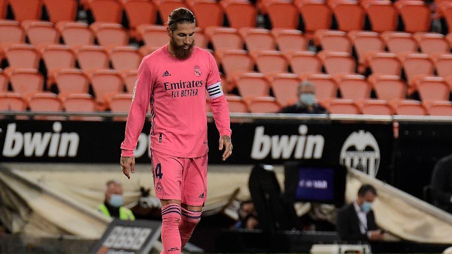 Renovação de Sergio Ramos com o Real Madrid ainda não foi confirmada - JOSE JORDAN / AFP