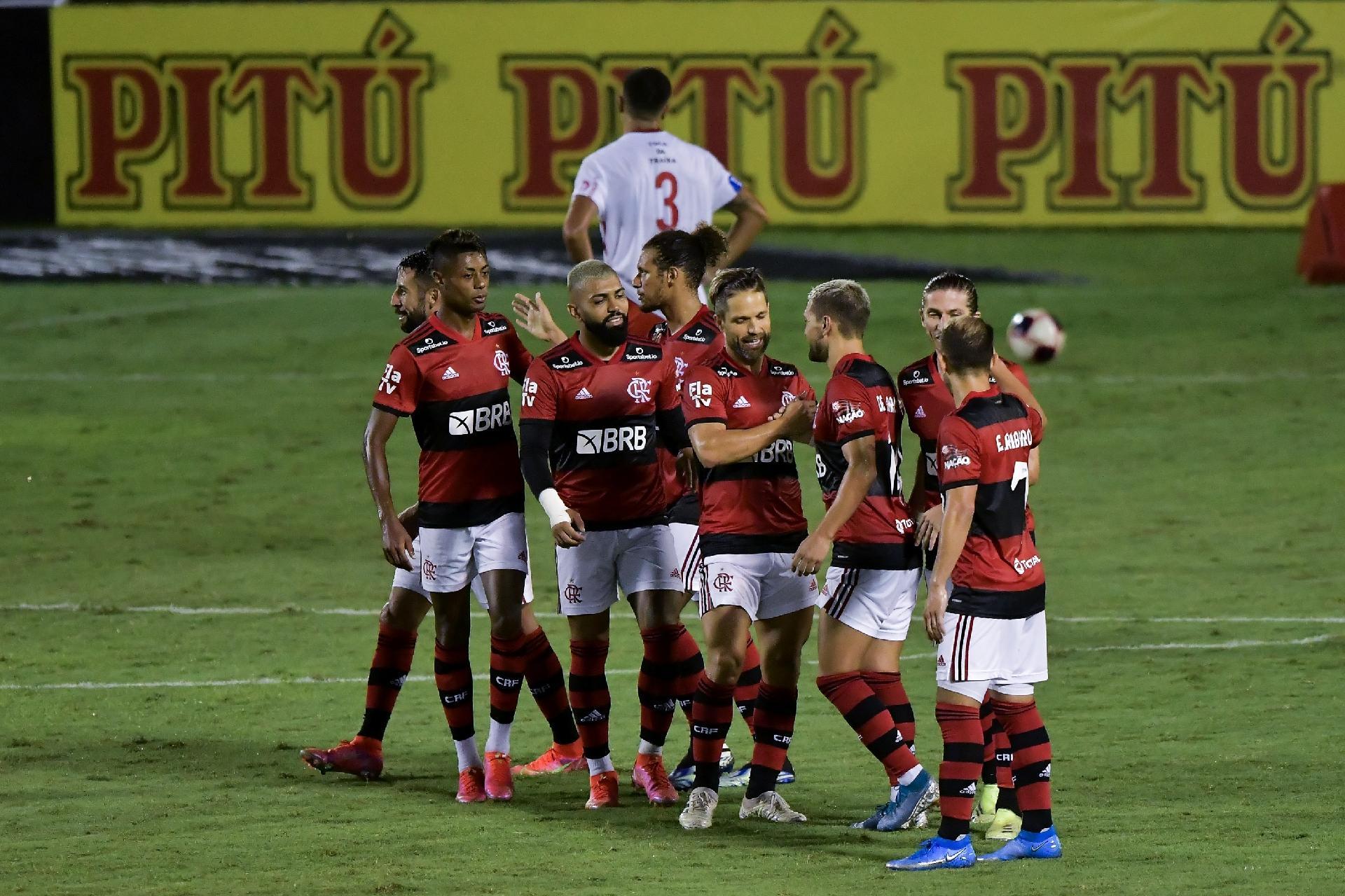 Juca Kfouri: Flamengo sai na frente e tem um time melhor que o Palmeiras