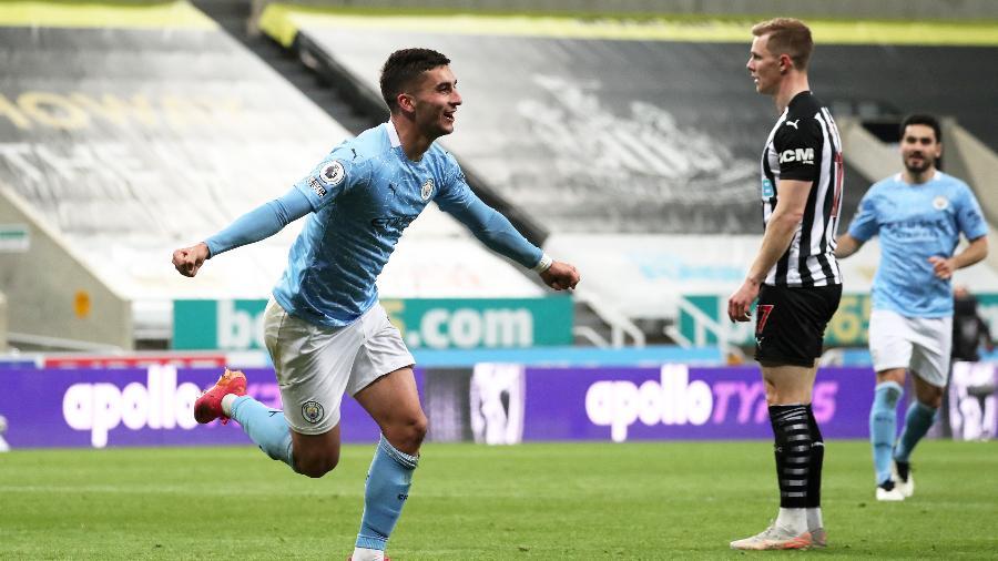 Ferran Torres comemora gol do Manchester City contra o Newcastle, pelo Campeonato Inglês - Getty Images
