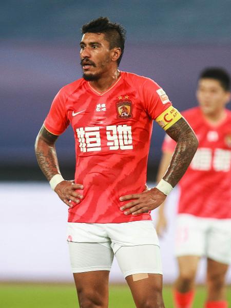 Paulinho tem contrato com o Guangzhou Evergrande até 2022 - AFP